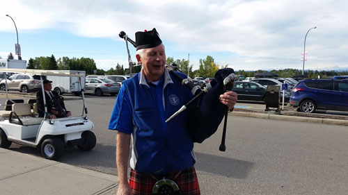 2016 Official Scots on the Run Bagpiper